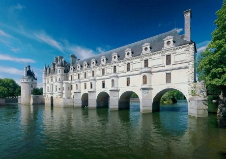 Chenonceau Reflections Arch
